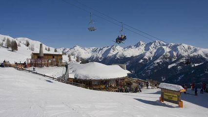 Panoramarestaurant Gadein (2.100m) - Platz für 550 Personen - Dachterrasse - Foto: thurntaler-rast.at