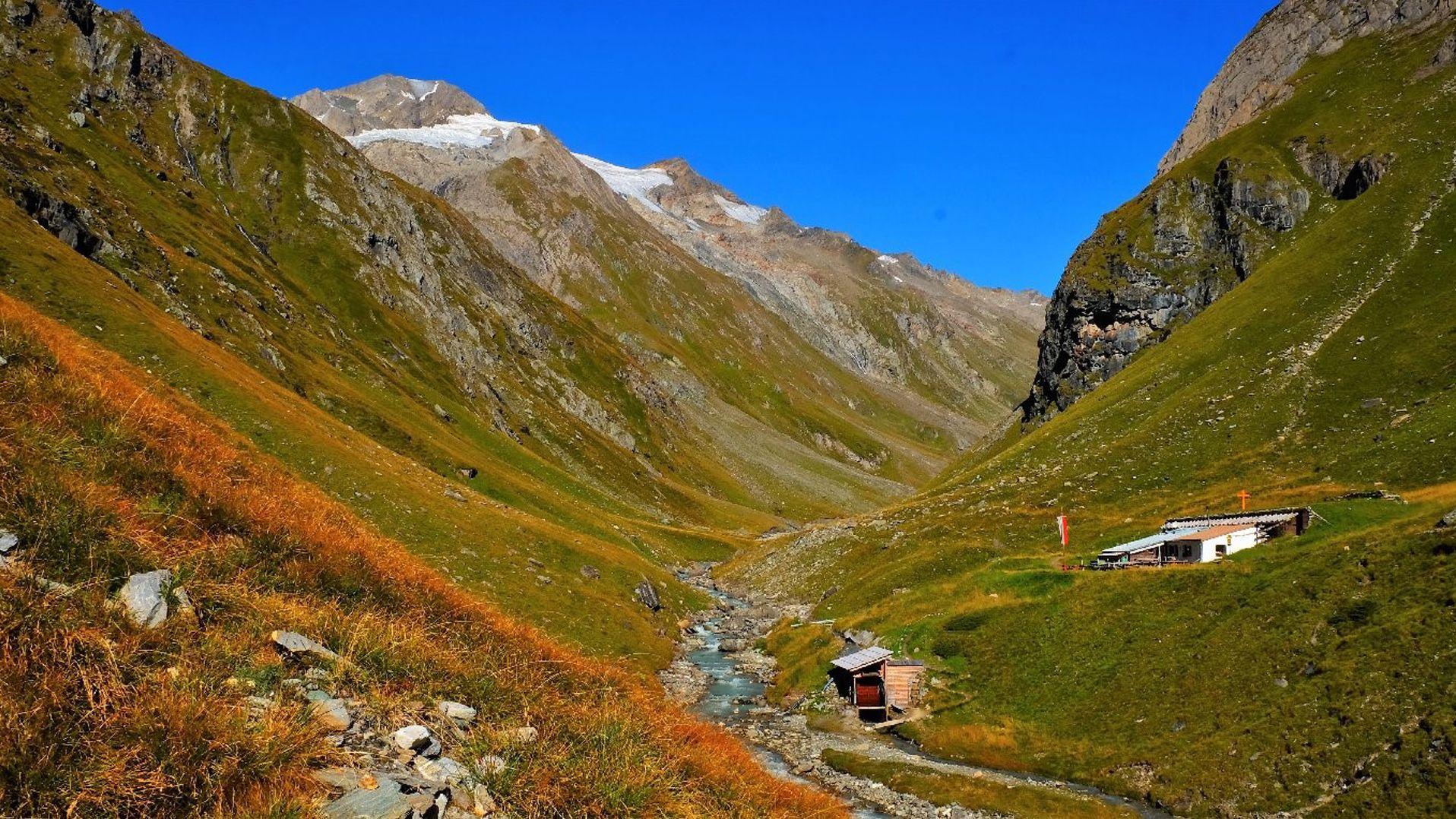 Clarahütte (2.038m) | Schutzhütte in Prägraten am Großvenediger