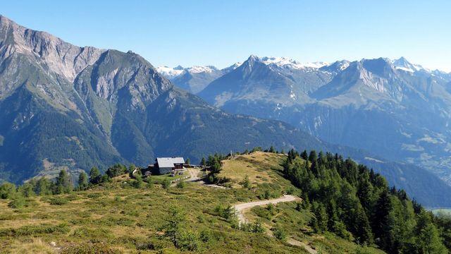 Von Virgen mit dem Hüttentaxi zur Wetterkreuzhütte und von dort auf dem Lasörlinger Höhenweg | Bild: Blatzheim