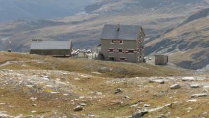 Salmhütte (2.644m) | OeAV - Übernachtung Ja - am Fuße des Großglockners