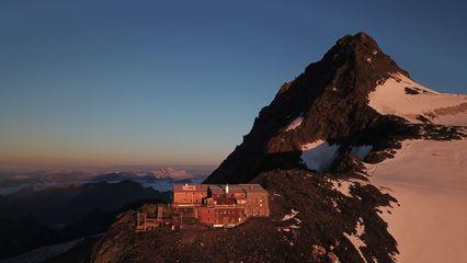 Erzherzog-Johann-Hütte (3.454m) - Übernachtung Ja - Blick auf den Großglockner - Foto: info@erzherzog-johann-huette.at