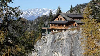 Dolomitenhütte (1.616m)    Behindertengerecht - Übernachtung Ja - Seminarraum - Foto: dolomitenhuette.at