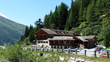 Alpengasthof Lucknerhaus (1.920m) |  ca. 40 Betten inkl. Wellnessbereich und Steinsauna