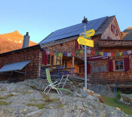 Adolf Nossberger Hütte 2488m - Alpenverein Edelweiss in den Lienzer Dolomiten - Foto: Christian