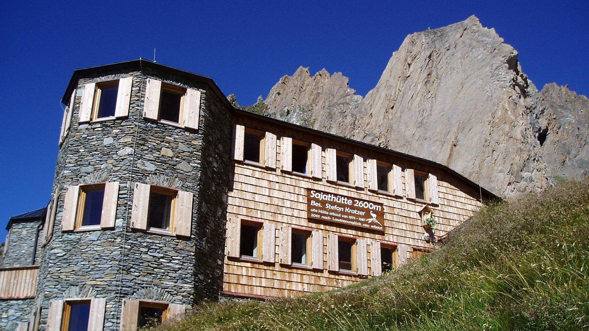 Neue Sajathütte (2.600m) | Hüttenflair mit Komfort - bewirtschaftet - Indoorkletterturm