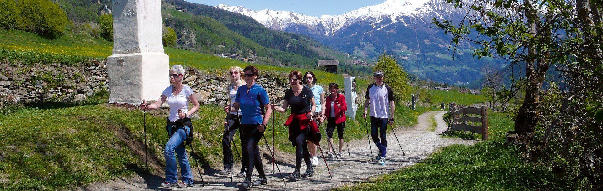 Nordic Walking in Osttirol - Gesund und Fit in den Alpen   © Fa. Profer & Partner