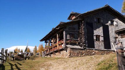 Anna-Schutzhaus (1.992m) - Übernachtung Ja - Familien geeignet - Handyempfang - Foto: annaschutzhaus.at