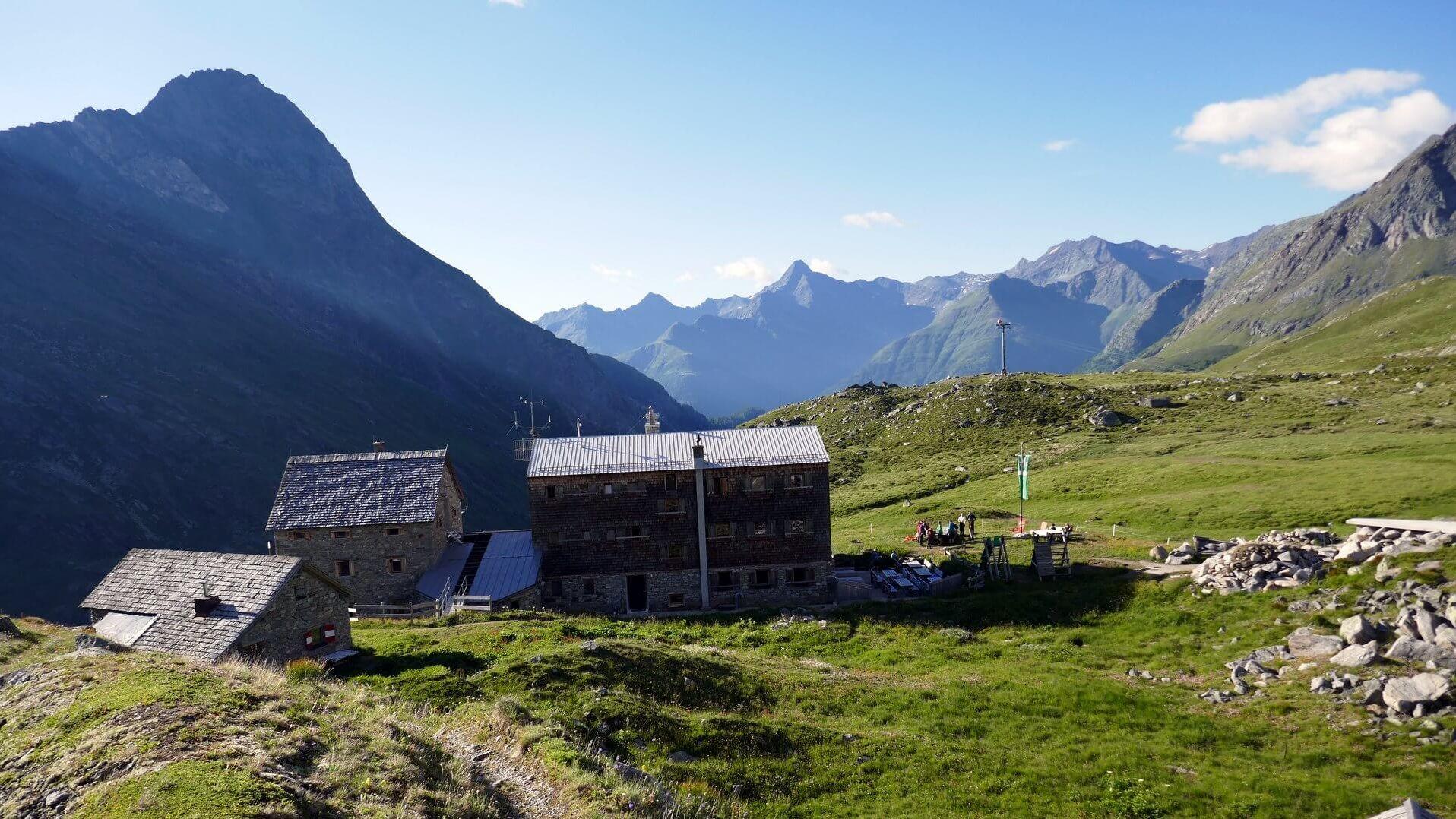 Essener-Rostocker-Hütte (2.208m) - Schutzhütte in Prägraten am Großvenediger