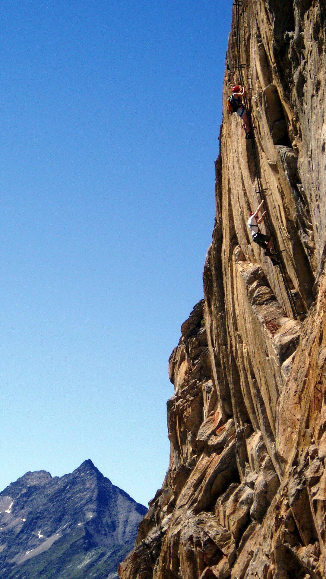 Eher kurze, aber sehr anstrengende Klettersteig auf die Rote Säule.