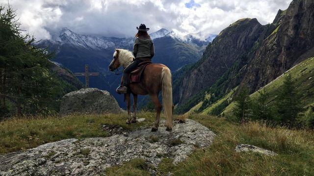 Ein Reiturlaub in Osttirol bietet sich an für Groß und Klein - Bild: TVB Osttirol / Rainer Barbara