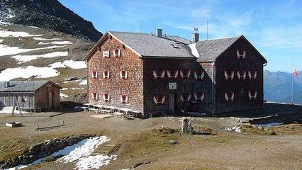 Glorer Hütte (2.642m) | DAV - Übernachtung Ja - Bewirtschaftet