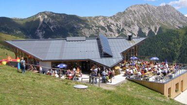 Conny-Alm (2.070m) - Panoramarestaurant - Übernachtung Ja - Foto: connyalm.at