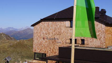 Sillianer Hütte (2.447m) - kein Winterbetrieb - Übernachtung Ja - Foto: sillianerhuette.at