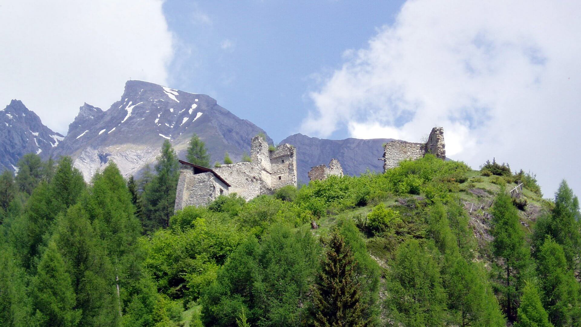 Burgruine Rabenstein Sehenswürdigkeit in Virgen